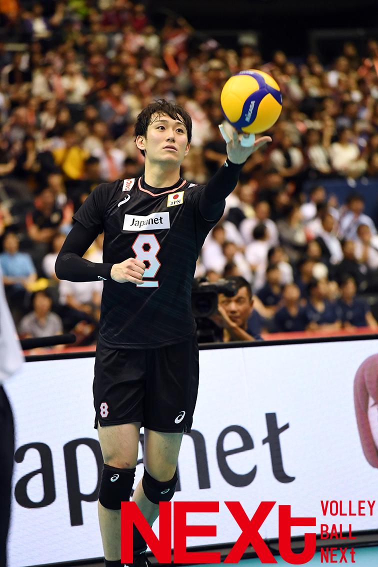 全員で勝利に向かい、柳田将洋が4本連続サービスエースで試合を決めた!その試合で確信した2つのこと
